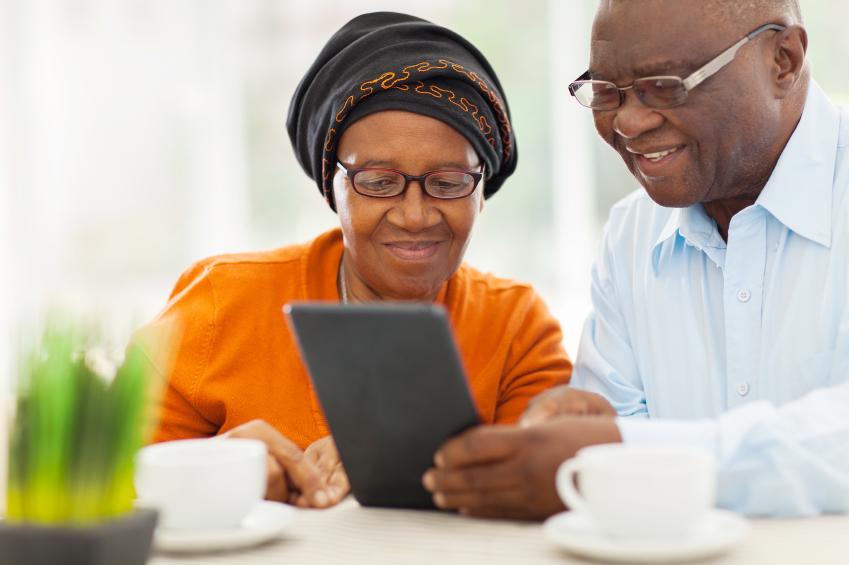 Elderly_Couple_on_Tablet